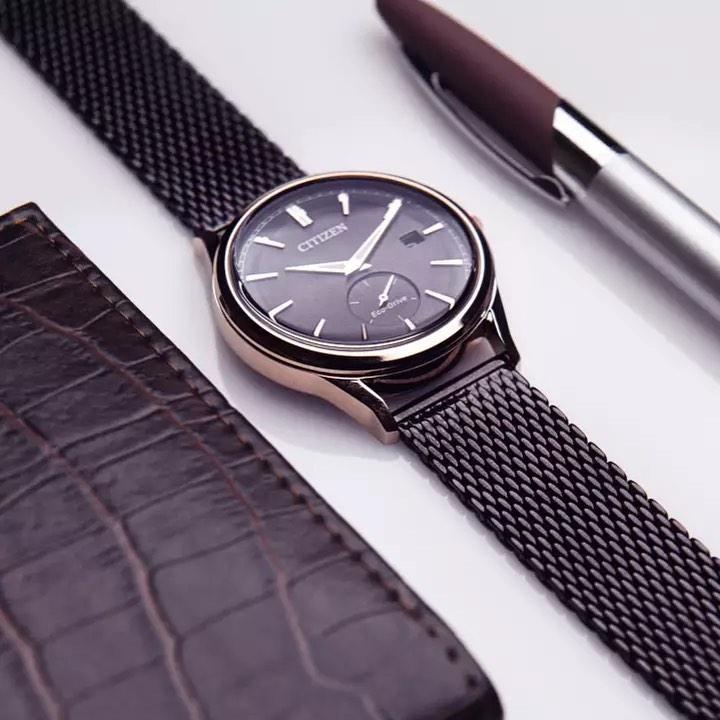 pelatinwatch+CNDMQboJTad+2540928516374224662